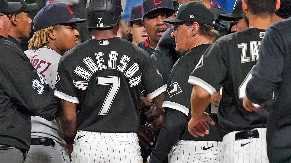 El mánager de los White Sox, Tony La Russa, apoya a José Abreu, quien fue golpeado;  bancos claros