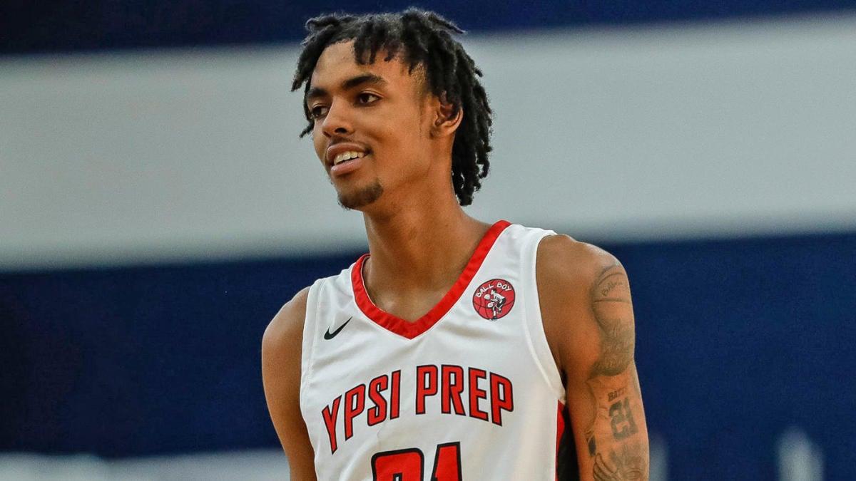 Reclutamiento de baloncesto universitario: la recluta de cinco estrellas Emoni Bates se compromete con Memphis
