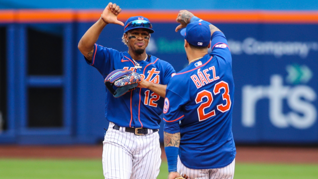 Mets players let their booing fans 'know how it feels' with strange thumbs down celebration - CBSSports.com