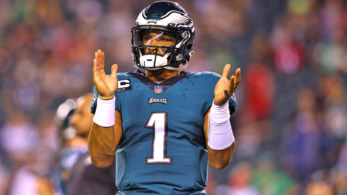 Fantasy Football: FFT's buy low and sell high on NFL offenses, favorite streaming quarterback and DST